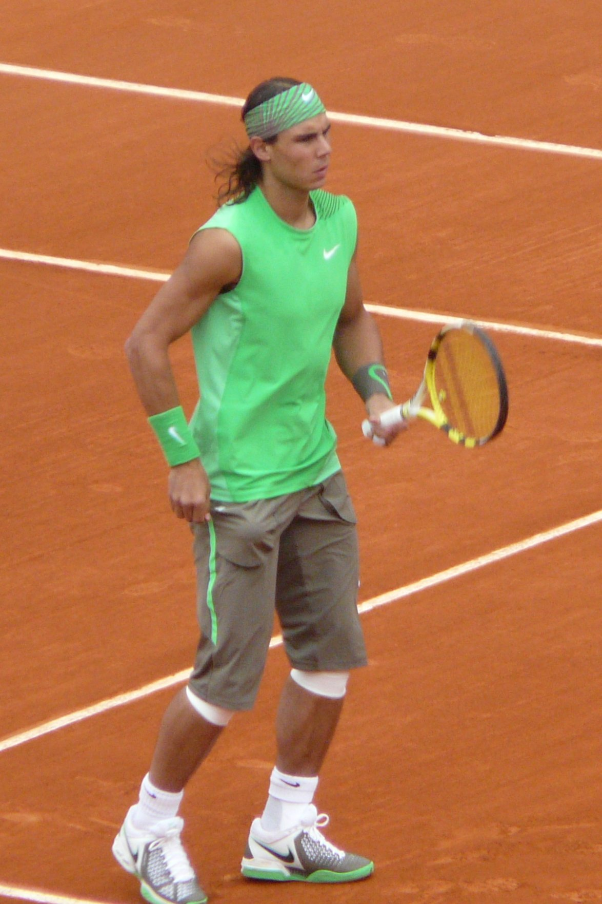 Rafael_Nadal_at_the_2008_French_Open_7