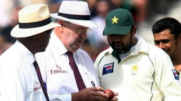 Inzamam and Darrell Hair