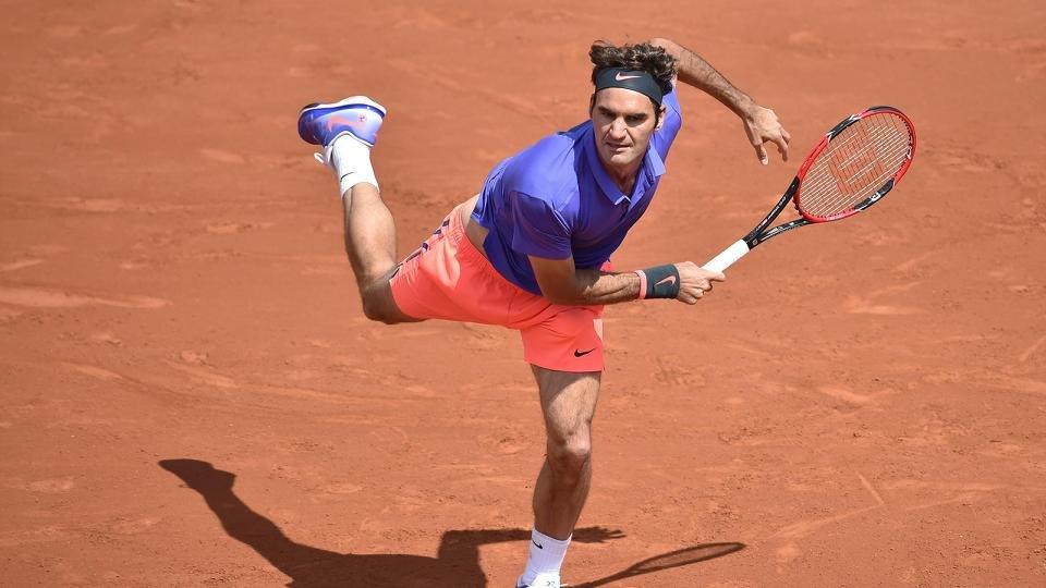 Roger Federer v Gael Monfils postponed at 1-1 in sets