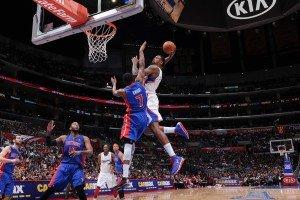 DeAndre Jordan dunks