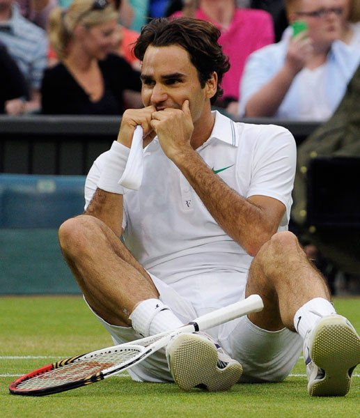 federer wimbledon emotional
