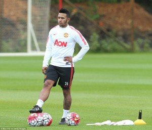 2A4857AB00000578-3151472-Depay_wore_No_26_for_the_pre_season_training_session_previously_-a-5_1436215377819