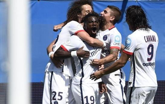 PSG celebrating during their win over Lyon