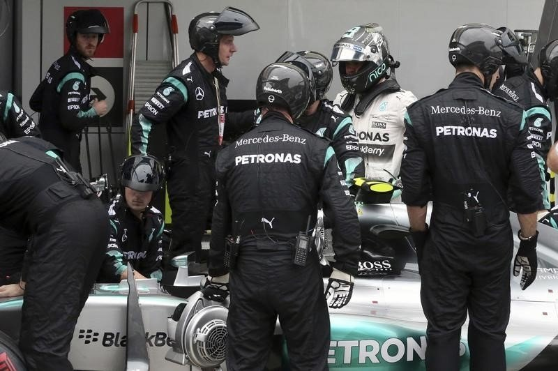 Rosberg curses bad luck as title hopes slip away