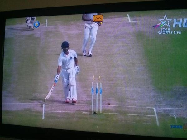 Left Handed Bengal Batsman & Wicket Keeper, Shreevats Goswami face one of the most bizarre dismissal possible, Karnataka vs West Bengal, Ranji Trophy.