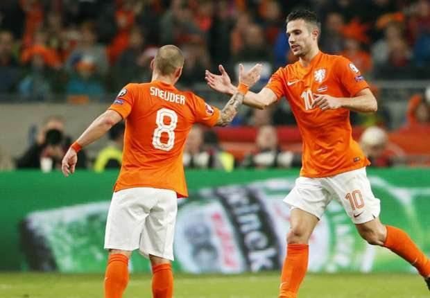 Robin van Persie and Wesley Sneijder, 2 of the most senior members of the team. They will have a crucial role to play in leading and developing the new young team