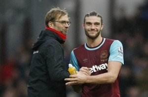 Football Soccer - West Ham United v Liverpool - Barclays Premier League - Upton Park - 2/1/16 Liverpool manager Juergen Klopp with West Ham's Andy Carroll at the end of the match Action Images via Reuters / John Sibley Livepic