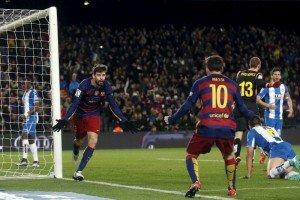 Football Soccer - Barcelona v Espanyol - Spain King's Cup - Camp Nou stadium, Barcelona - 6/1/16Barcelona's Lionel Messi (R) and Gerard Pique celebrate a goal against Espanyol.  REUTERS/Albert Gea