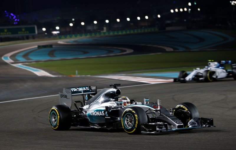 Mercedes' Lewis Hamilton in action during a race in Abu Dhabi Action Images / Hoch Zwei