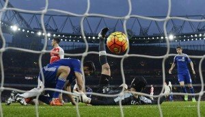Football Soccer - Arsenal v Chelsea - Barclays Premier League - Emirates Stadium - 24/1/16 Diego Costa scores the first goal for Chelsea Reuters / Dylan Martinez Livepic