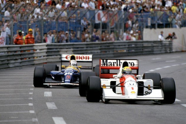 Ayrton Senna (front) and Nigel Mansell (back) had an intense duel in the 1992 Grand Prix