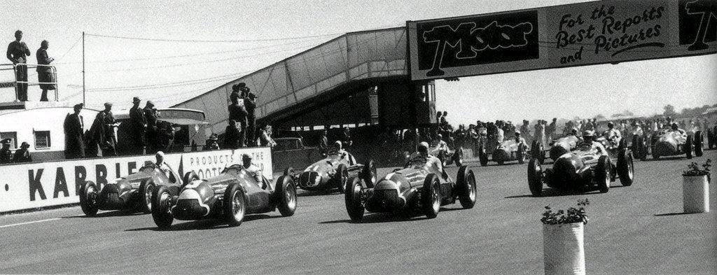 The start of the first ever F1 Championship race.