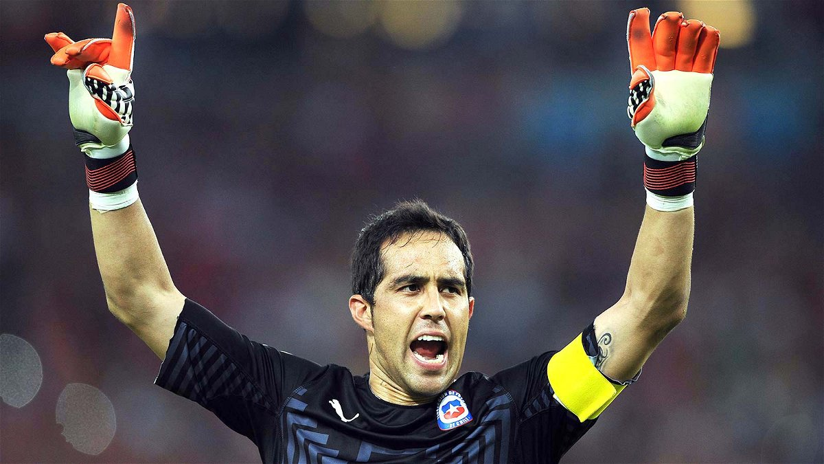 Claudio Bravo joins Manchester City from Barcelona Essentially