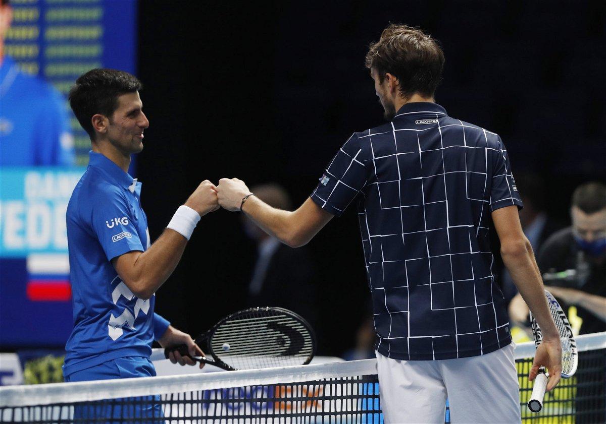 Daniil Medvedev dan Novak Djokovic di final ATP 2020