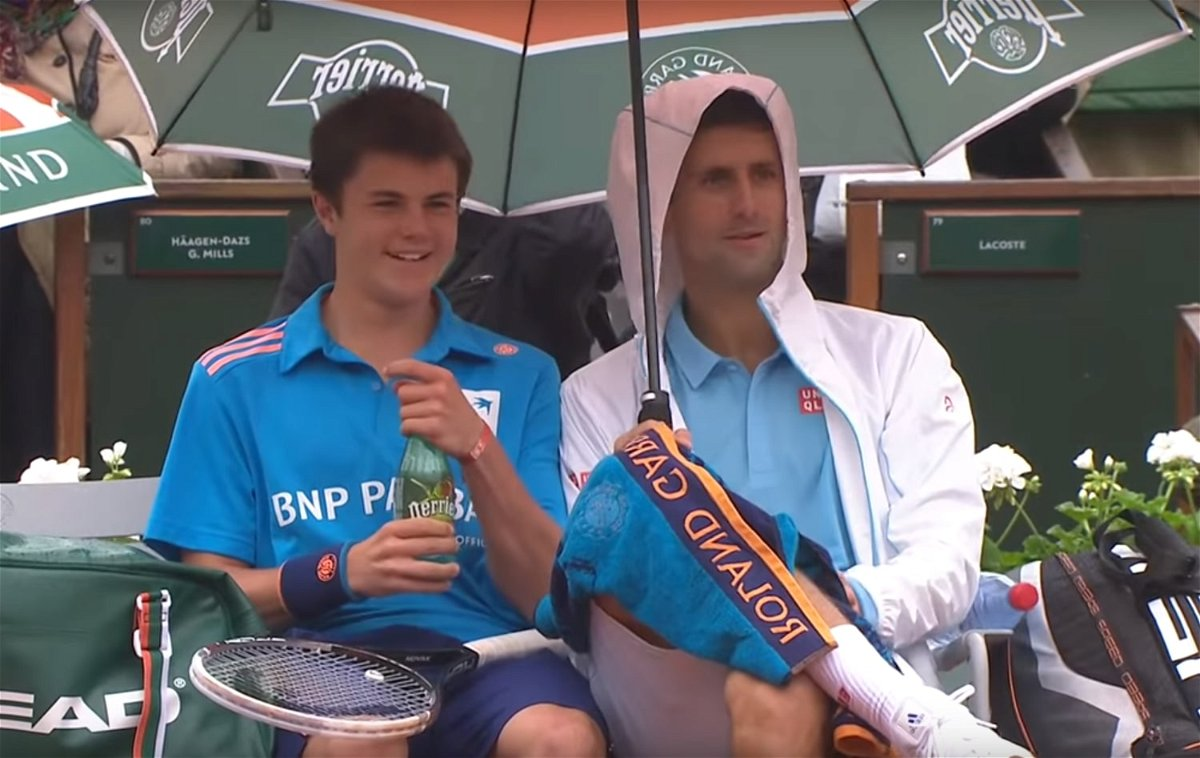 Watch When Novak Djokovic Made A Ball Boy S Day Essentiallysports