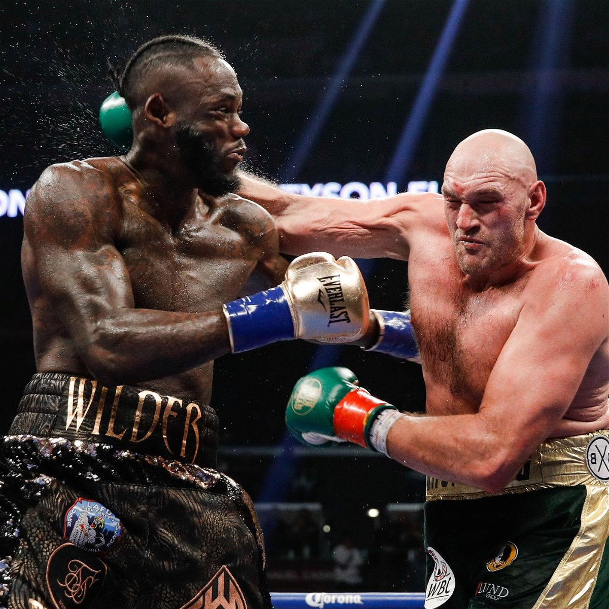 Coach Blames the Heavy Entrance Costume For the Devastating Loss of Deontay Wilder - Essentially Sports