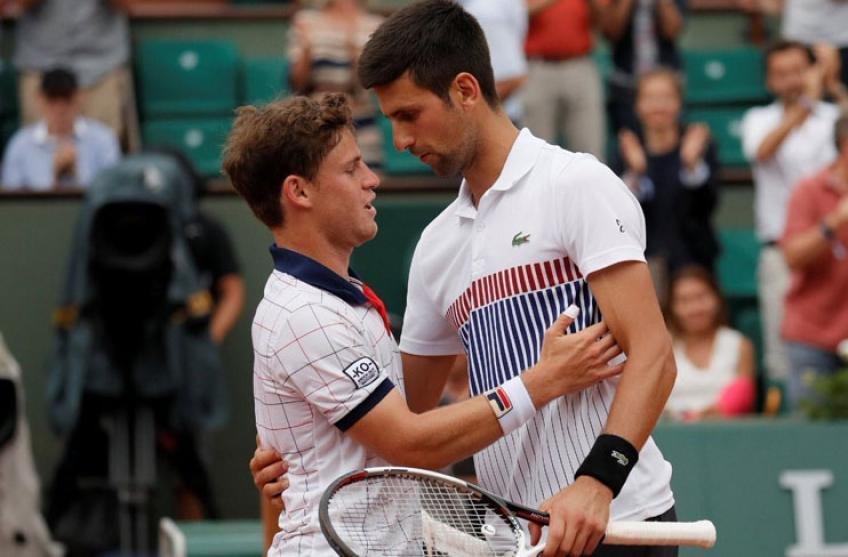 Novak Djokovic Talks A Lot In The Group Diego Schwartzman Reveals The Whatsapp Group Amongst Atp Players Essentiallysports