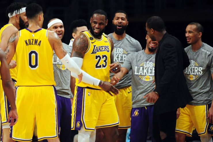 LA Lakers LeBron James NBA Milwaukee Bucks Giannis Antetokounmpo