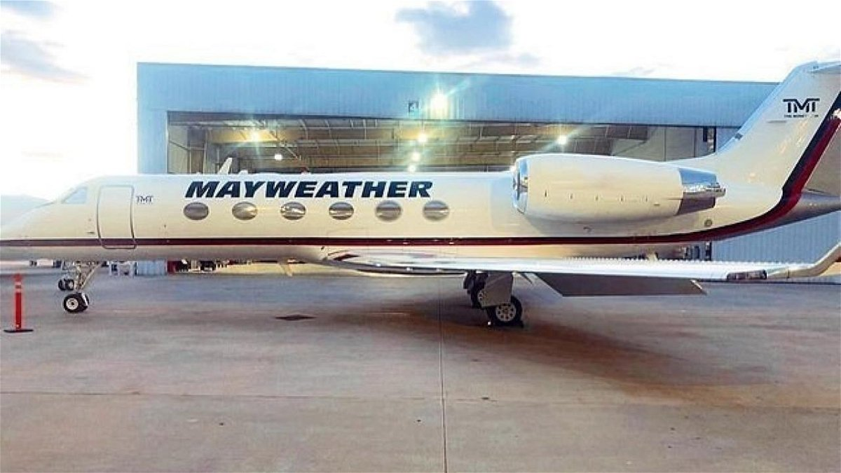Floyd Mayweather's Private Jet: All You Need to Know About the Beautiful  Ride - EssentiallySports