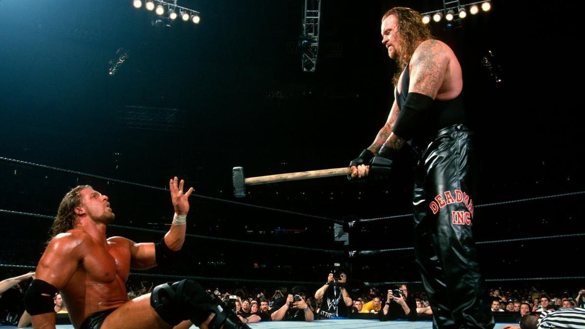 """Somebody Isn't Paying Attention""""- WWE Legend Reveals Major Botch Before  Wrestlemania 17 - EssentiallySports"""