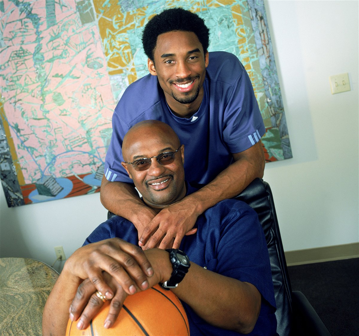 a ring gifted by kobe bryant to his father is on auction for a hefty price essentiallysports https www essentiallysports com nba news a ring gifted by kobe bryant to his father is on auction for a hefty price los angeles lakers