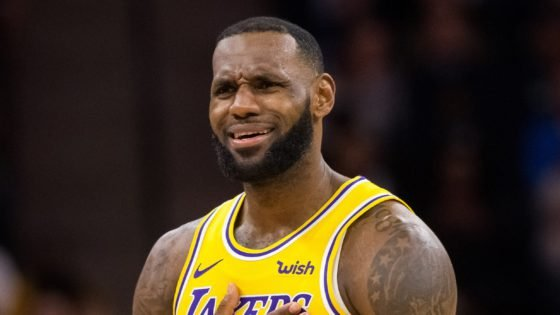 """""""No Way Bron Eating This"""": Twitter Pokes Fun at NBA as Troy Daniels Showcases Quality of Food at Orlando Bubble - Essentially Sports"""