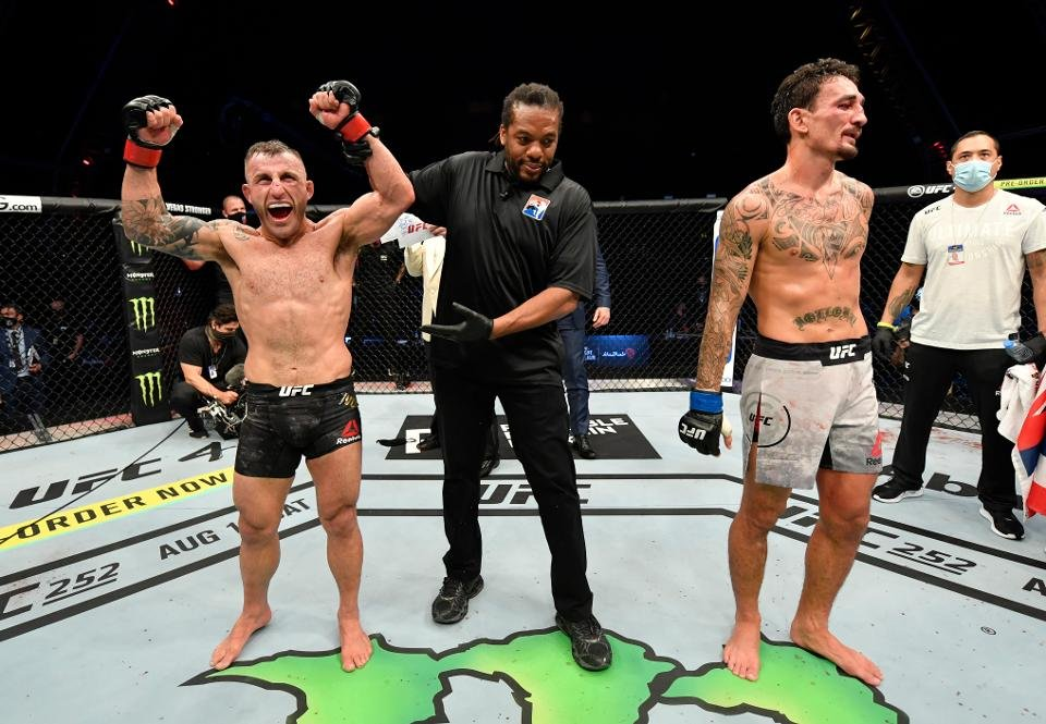 Dana White Confirms Massive Fight- Alexander Volkanovski Set to Fight Brian