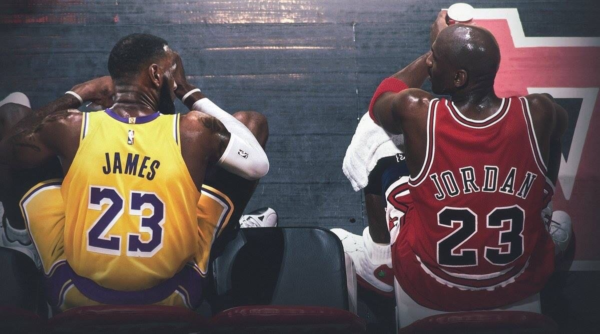 perturbación Abiertamente Aguanieve  Michael Jordan vs LeBron James: Comparing the Duo's Performance in NBA  Playoffs - EssentiallySports