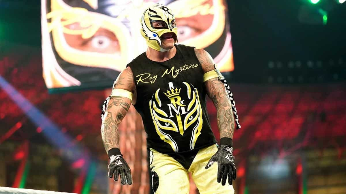 Rey Mysterio's Size Was A Setback In WWE, Says Hall Of Famer 1
