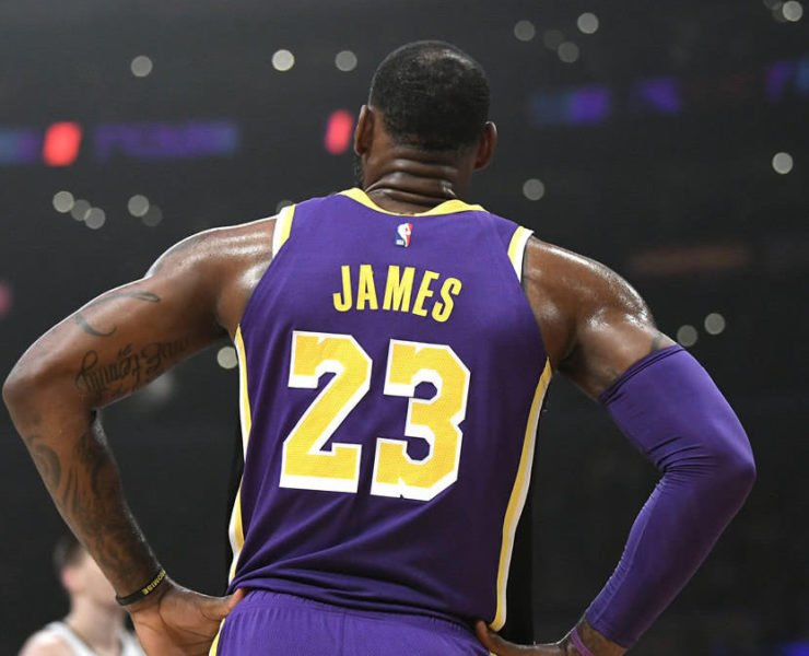 Why Does LeBron James Wear #23 on His Lakers Jersey ...