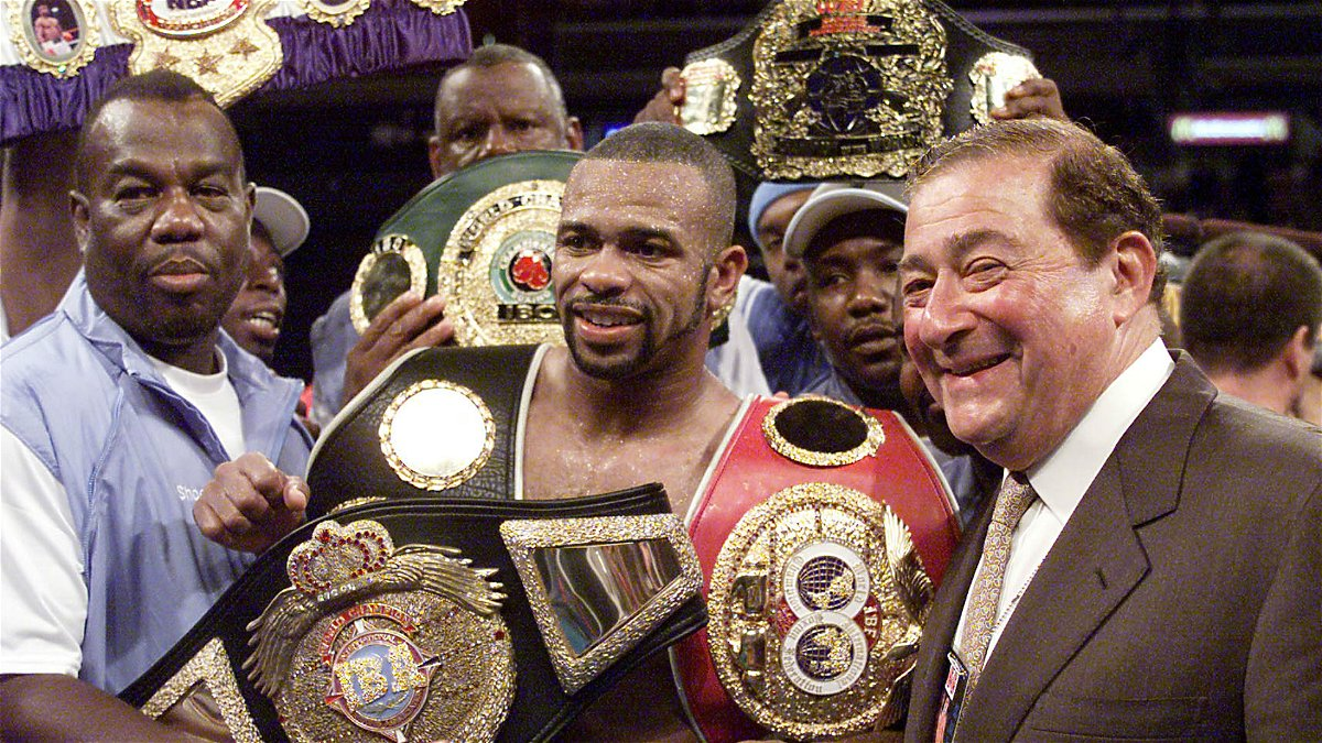 i don t run from nobody roy jones jr sends a warning to mike tyson essentiallysports i don t run from nobody roy jones jr