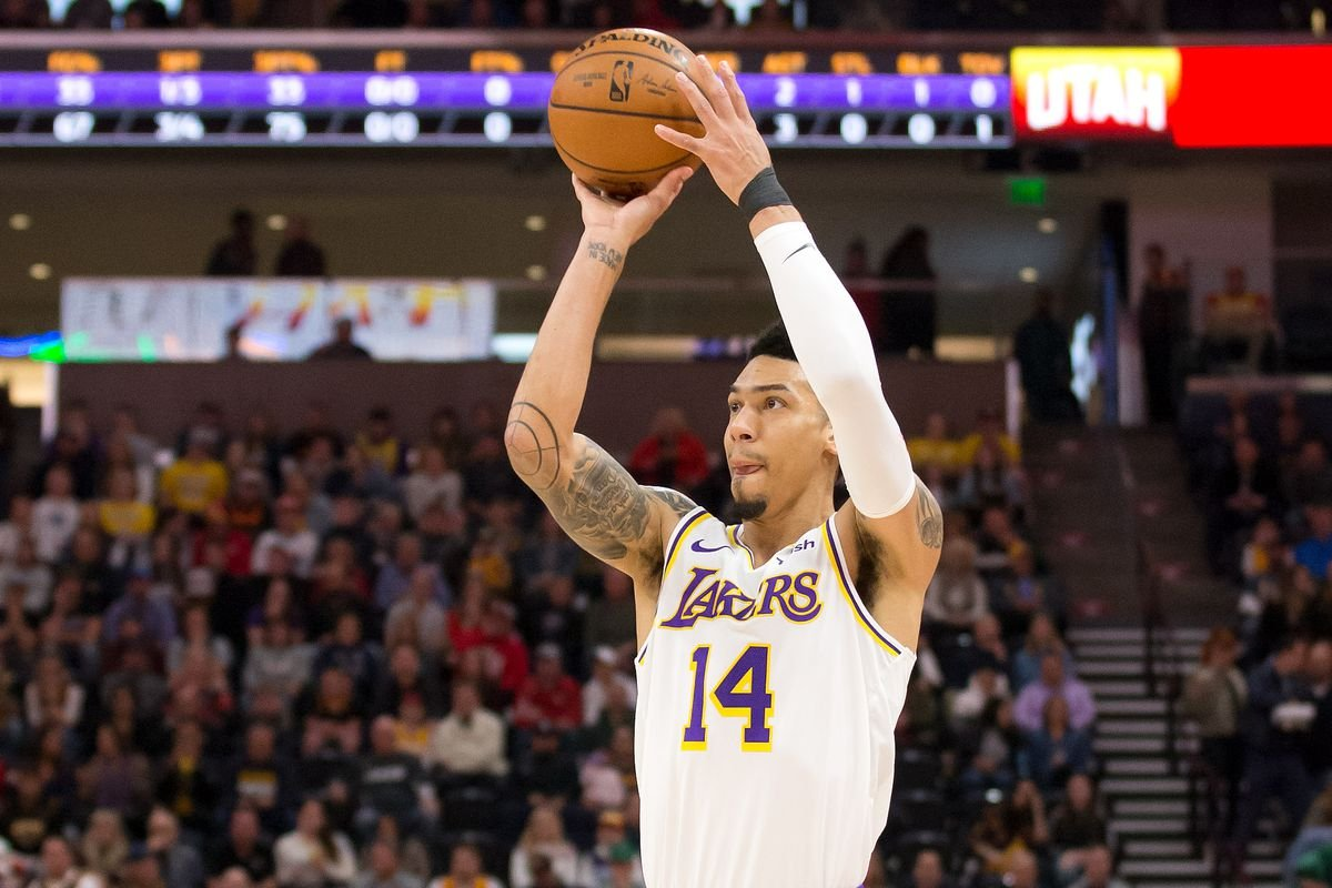 Lakers Coach Frank Vogel Comments On Danny Green S Poor Run Of Form In The Orlando Bubble Essentiallysports