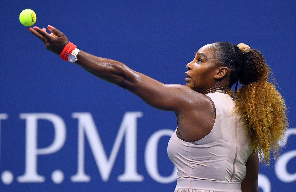 Serena Williams serves against Victoia Azarenka US Open