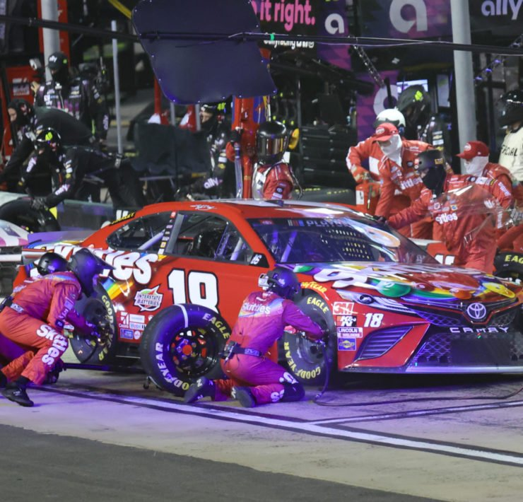 Kyle Busch during a pit-stop at Bristol