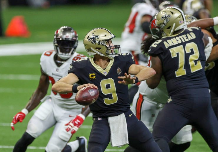 New Orleans Saints quarterback Drew Brees throws against the Tampa Bay Buccaneers.
