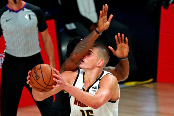 Denver Nuggets center Nikola Jokic shoots the ball in Game 2 against the Lakers.