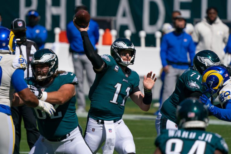 Philadelphia Eagles quarterback Carson Wentz (11) passes the ball against the Los Angeles Rams on Sunday.