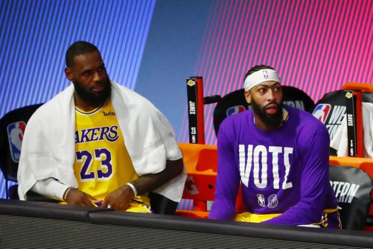 Lakers star duo, LeBron James and Anthony Davis on the bench