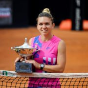 Simona Halep with the winner trophy at Italian Open 2020