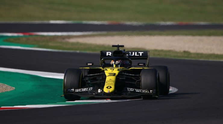 Daniel Ricciardo of Renault races in Tuscan