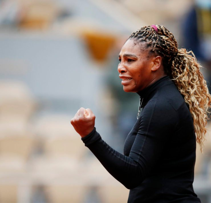 Serena Williams celebrates a point in the French open 2020