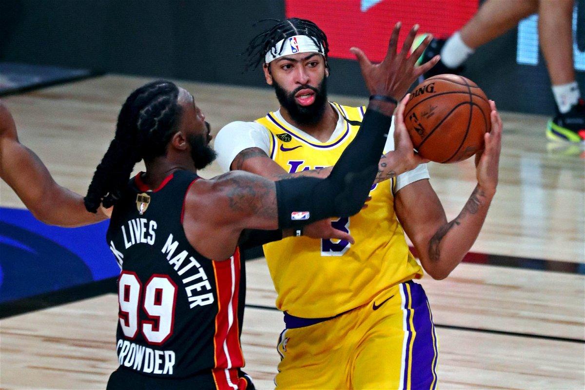 Anthony Davis se une a los íconos de los Lakers con una tremenda actuación en el primer juego