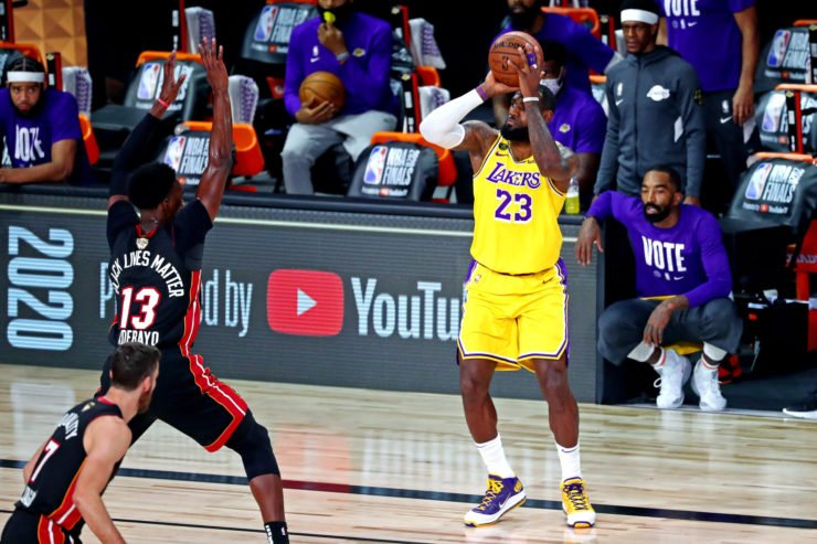 Los Angeles Lakers forward LeBron James shoots the ball against Miami Heat