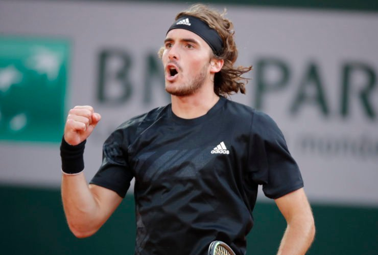 Stefanos Tsitsipas celebrating at French Open 2020