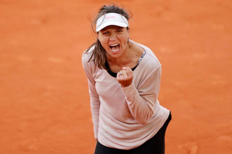 Patricia Maria Tig screams in the French Open 2020