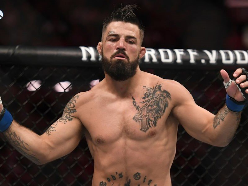 Mike Perry Mocks Darren Till After He Threatens to Throw the Towel From Perry's Corner