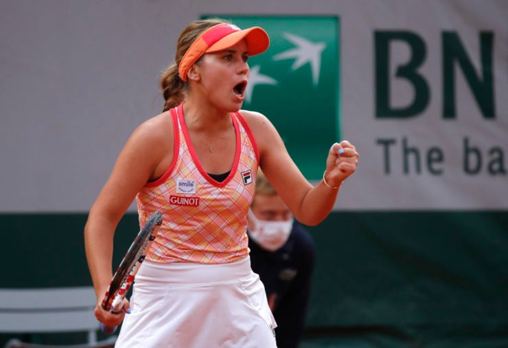 Sofia Kenin celebrates as she went on to the finals of the French Open 2020