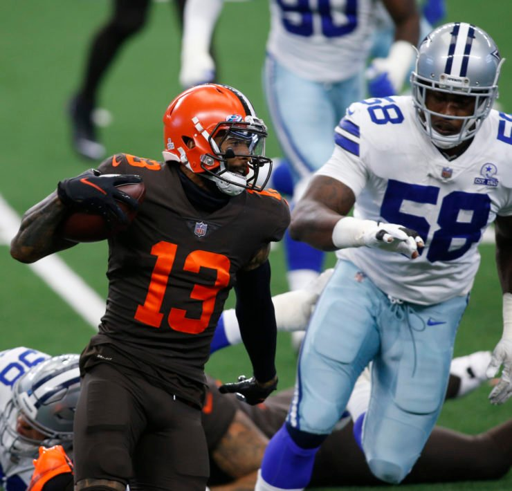 Cleveland Browns Quarterback Odell Beckham Jr. runs with the ball against Dallas Cowboys in Week Four.