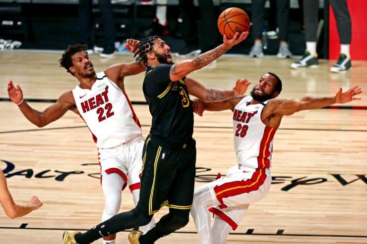 Los Angeles Lakers vs Miami Heat: Anthony Davis against Andre Iguodala