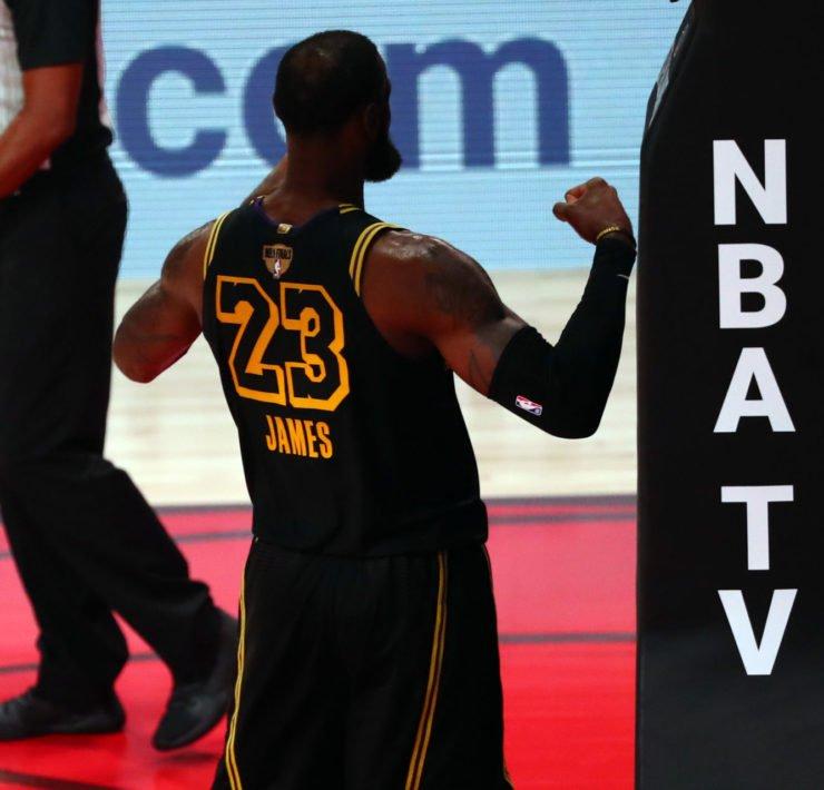 Los Angeles Lakers vs Miami Heat: LeBron James